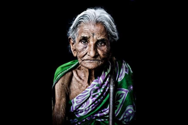aaya-grand-mother-tamil-portrait-delhi-india-nikon-d3000-35mm-rahul-karan